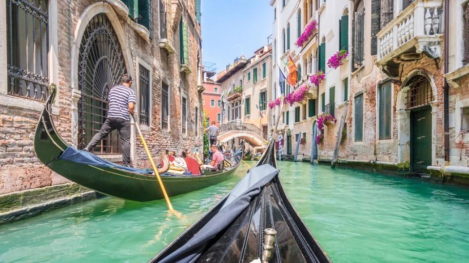 Za světoznámým karnevalem masek a návštěvou Benátek (fotografie 13)