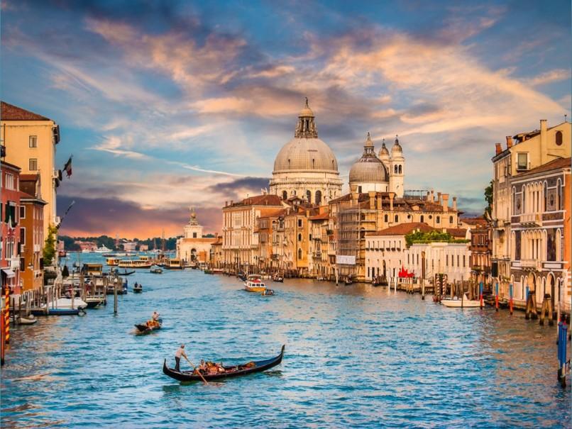 Za světoznámým karnevalem masek a návštěvou Benátek (fotografie 17)