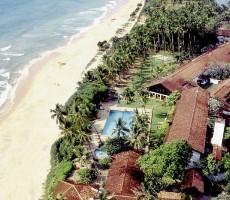 Hotel Avani Bentota Resort and Spa