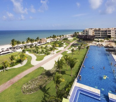 Hotel Hideaway at Royalton Riviera Cancun