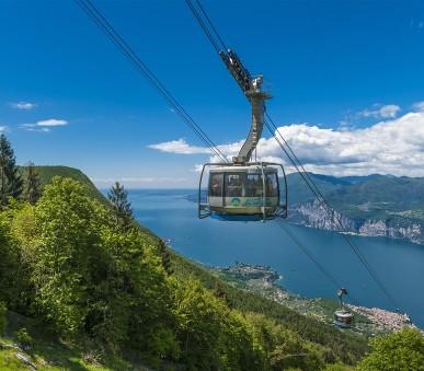 Lago di Garda - sever, Monte Baldo a Tremalzo