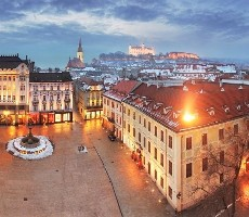 Adventní Bratislava, Györ a nedělní vídeň