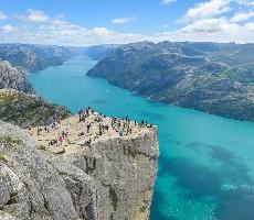 Bergen, Stavanger s výstupem na Preikestolen