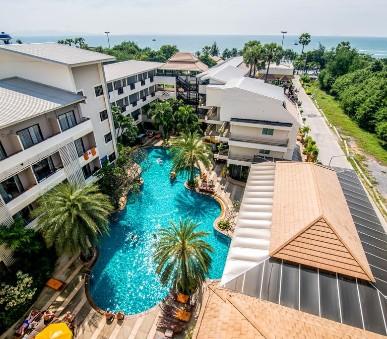 Sea Breeze Resort / Bangkok Palace Hotel
