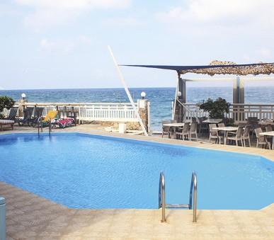 Hotel Almare Beach