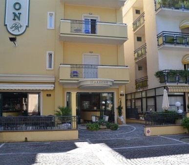 Misano Adriatico / Hotel Ariston
