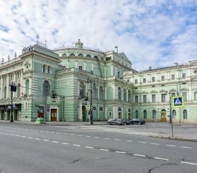 Bílé noci v Petrohradě | Ermitážní divadlo: P. I. Čajkovskij – Labutí jezero