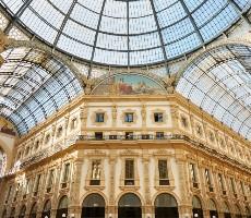Milán letecky