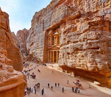 Jordánsko - pouštní krásky Petra a Wadi Rum