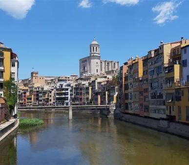 Barcelona Montserrat a Girona s pobytem u moře