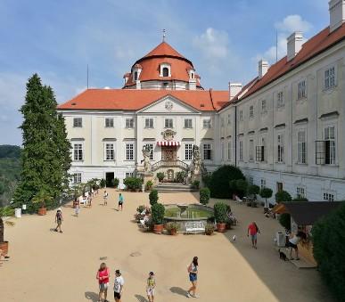 Vranovský zámek s plavbou po přehradě