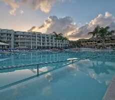 Hotel Seabank Resort and Spa