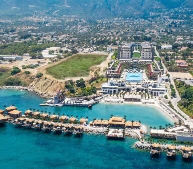 Cratos Premium Hotel-Casino