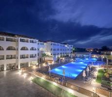 Hotel Azure Resort