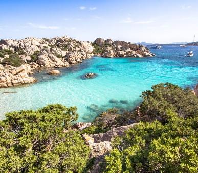 Sardinie - okruh smaragdovym ostrovem