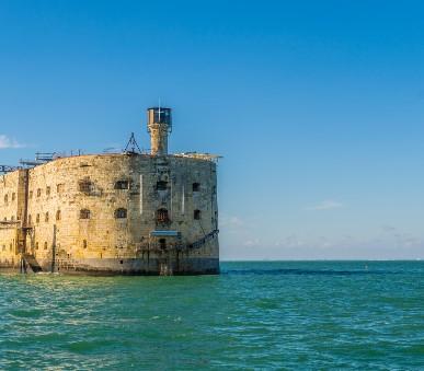 K pevnosti Boyard a vinicím Bordeaux