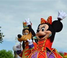 Disneyland a Paříž v Halloweenu